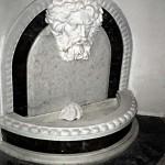 Декоративная скульптура для фонтана в интерьере частного дома в Подмосковье  Мастер-модель в глине, изготовление в мраморе. 2001-2002
